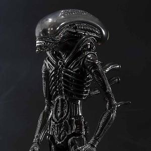 Alien Big Chap S.H.MonsterArts Bandai