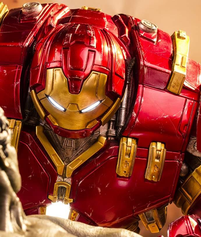 Hulkbuster Diorama 1/6 Iron Studios