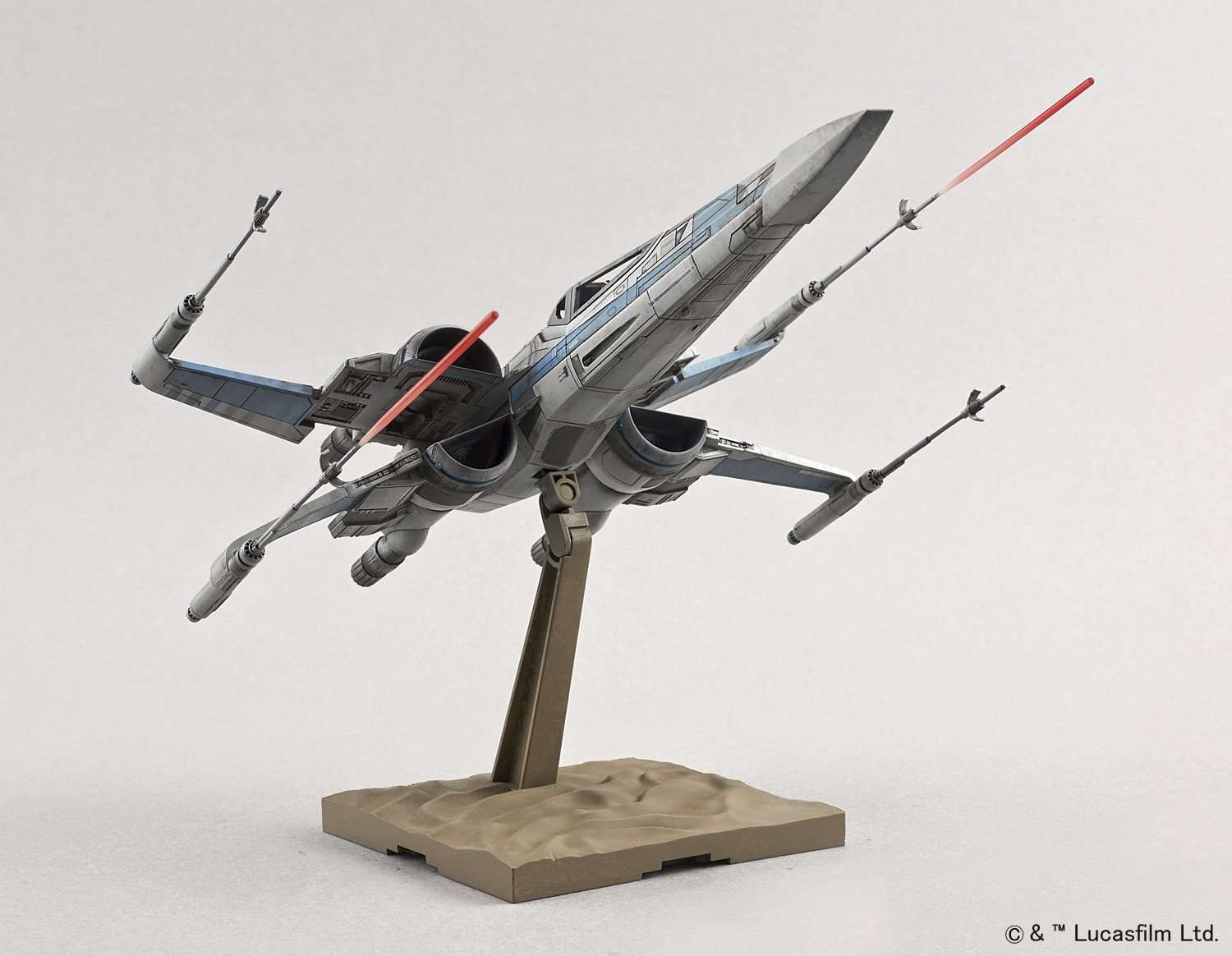 Restistance X-Wing Fighter Model Kit Bandai