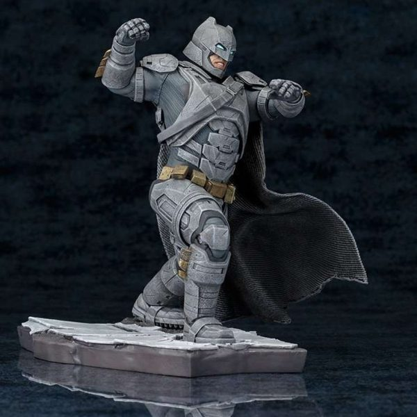 Armored Batman Dawn of Justice ArtFX Kotobukiya