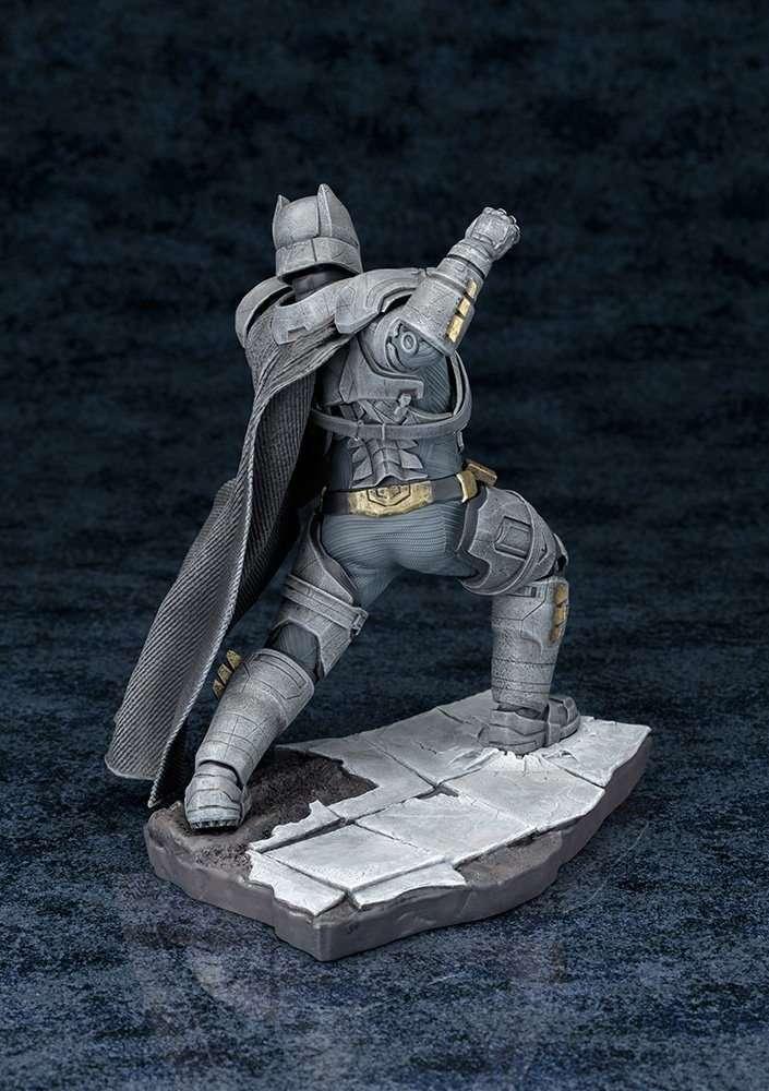 armored-batman-artfx-kotobukiya