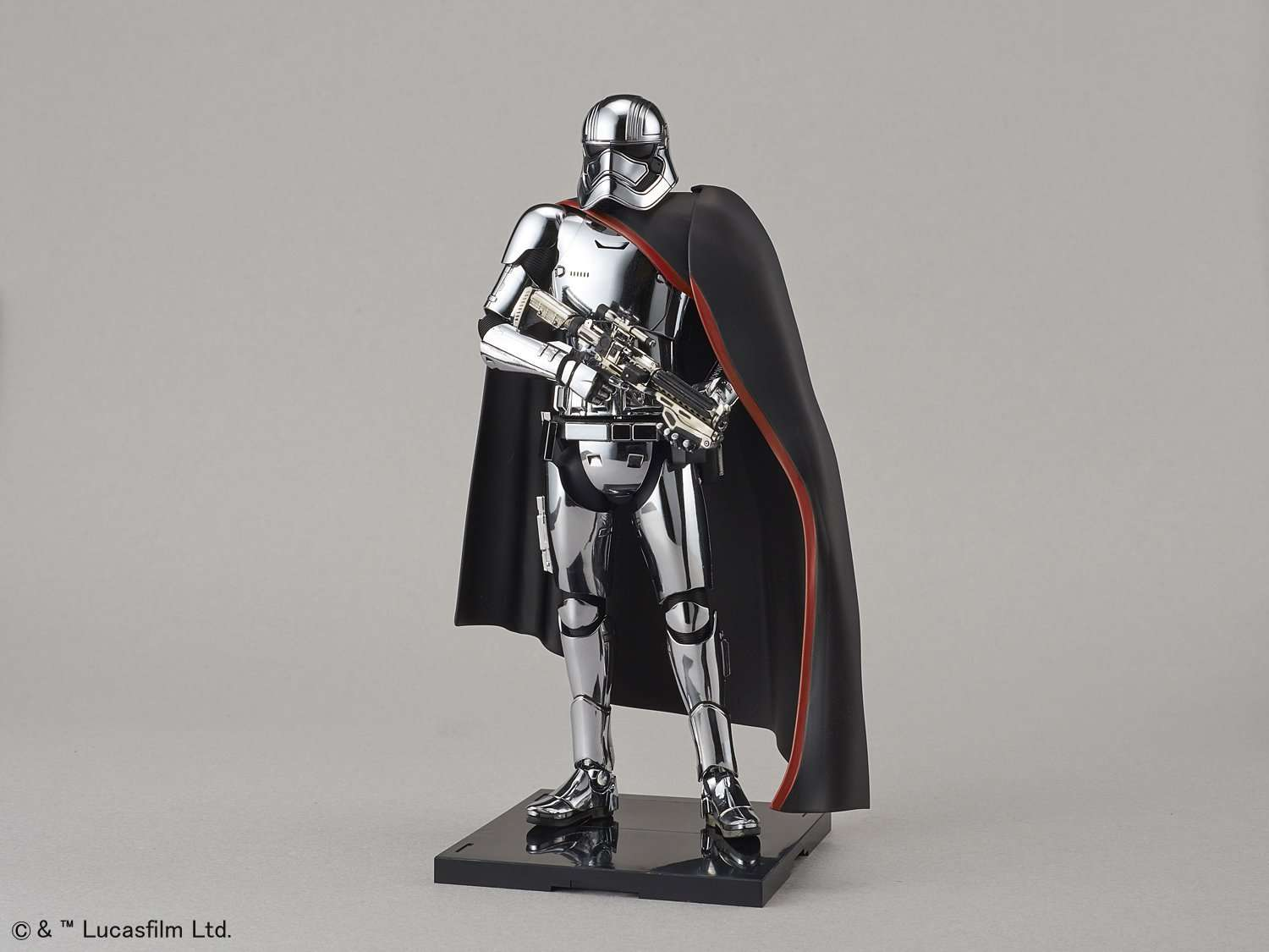 captain-phasma-model-kit-bandai-capa
