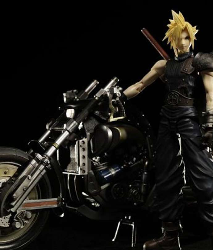 cloud-strife-e-hardy-daytona-play-arts-square-enix-capa