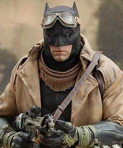 Batman vs Superman: Knightmare Batman Hot Toys