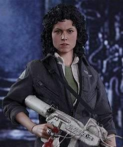 Ellen Ripley Hot Toys Sixth Scale