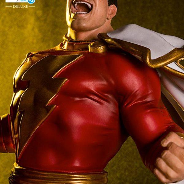Shazam DC Comics Art Scale Iron Studios