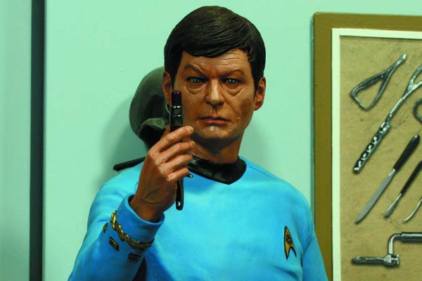 Dr. Mccoy Star Trek Hollywood Collectibles