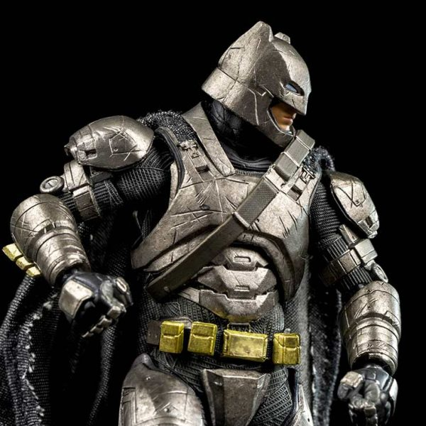 Batman Armored Batman v Superman Mafex Medicom