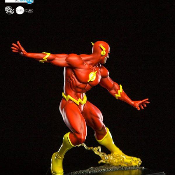 The Flash by Ivan Reis Art Scale Iron Studios