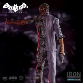 Two-Face Arkham Knight Art Scale Iron Studios