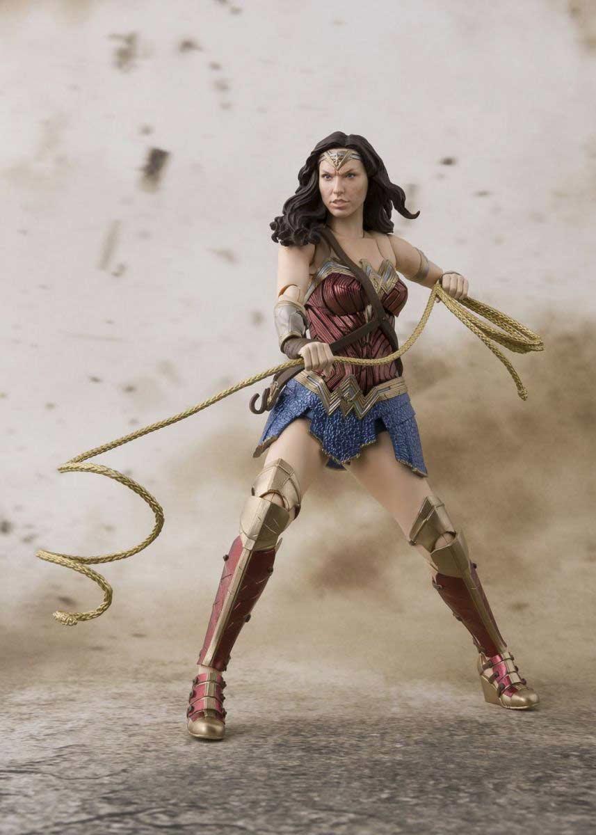 Wonder Woman Justice League S.H.Figuarts Bandai