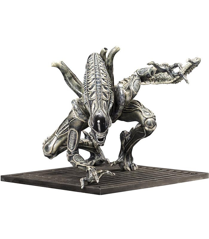 Alien Warrior Drone Artfx Statue