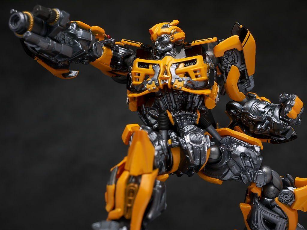 Bumblebee Revoltech Kaiyodo