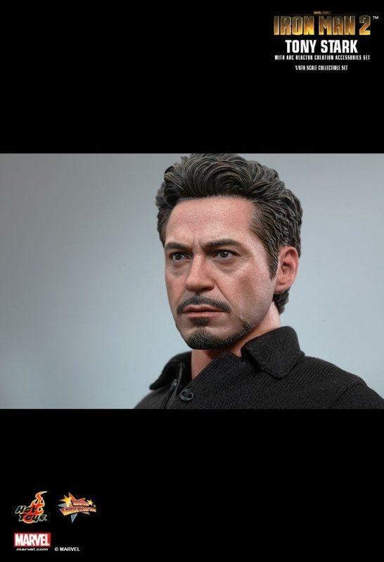 Tony Stark with Arc Reactor Iron Man 2 Hot Toys