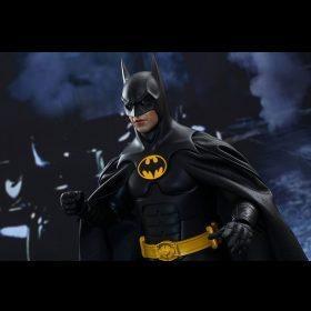 Batman & Bruce Wayne Batman Returns Hot Toys